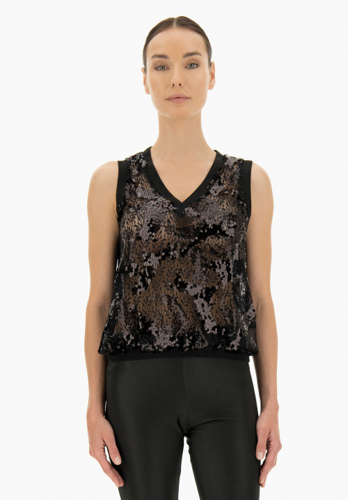 Frangipani Embroidered top