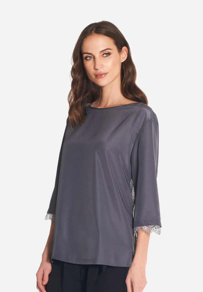 Epoque blouse with two-tone lace back